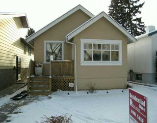 Photo 1: 527 19 Avenue NW in CALGARY: Mount Pleasant Residential Detached Single Family for sale (Calgary)  : MLS®# C3238915