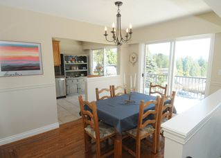 Photo 4: 4577 MEADOWBANK Close in North Vancouver: Lynn Valley House for sale : MLS®# R2450102