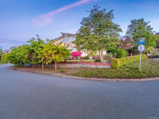 Photo 4: 2827 Cosgrove Cres in NANAIMO: Na Departure Bay Single Family Detached for sale (Nanaimo)  : MLS®# 840781