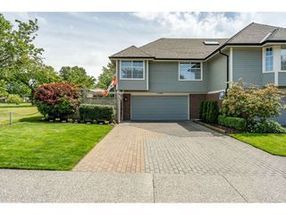 "Photo 3: 12007 S BOUNDARY Drive in Surrey: Panorama Ridge Townhouse for sale in ""Southlake Townhomes"" : MLS®# R2465331"