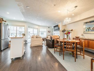 Photo 2: 408 935 Johnson St in : Vi Downtown Condo for sale (Victoria)  : MLS®# 851767