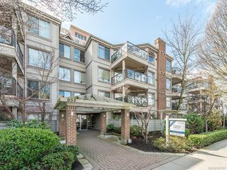Photo 1: 408 935 Johnson St in : Vi Downtown Condo for sale (Victoria)  : MLS®# 851767