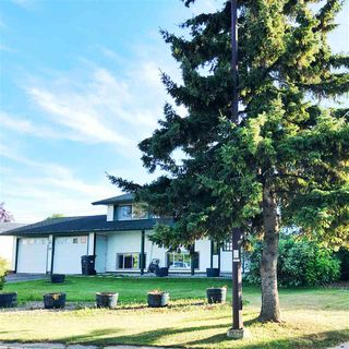 Photo 1: 315 Lakeshore Drive: Cold Lake House for sale : MLS®# E4210523
