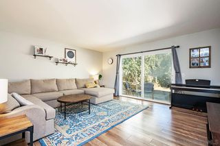 Photo 10: CLAIREMONT House for sale : 4 bedrooms : 5350 Burford St in San Diego