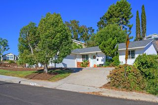 Photo 1: CLAIREMONT House for sale : 4 bedrooms : 5350 Burford St in San Diego