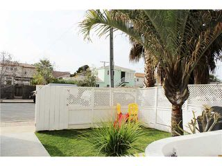 Photo 2: PACIFIC BEACH Townhome for sale : 3 bedrooms : 4257 Gresham Street in San Diego