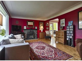 Photo 2: 3338 Wordsworth St in VICTORIA: SE Cedar Hill House for sale (Saanich East)  : MLS®# 640502