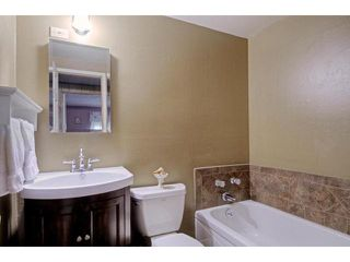 Photo 8: CHULA VISTA House for sale : 3 bedrooms : 474 Jamul Court