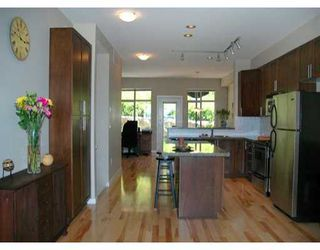"Photo 4: 24 320 DECAIRE ST in Coquitlam: Maillardville Townhouse for sale in ""OUTLOOK"" : MLS®# V599654"