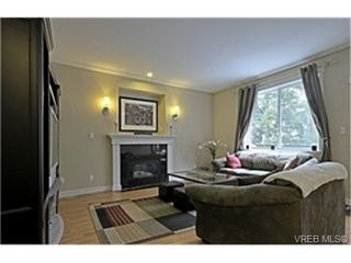 Photo 2: 937 Cavalcade Terrace in VICTORIA: La Florence Lake Single Family Detached for sale (Langford)  : MLS®# 246560