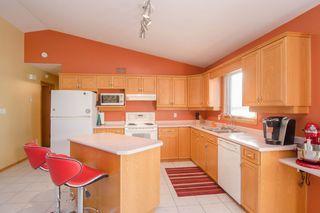 Photo 9: 205 Elm Drive in Oakbank: Single Family Detached for sale : MLS®# 1428748