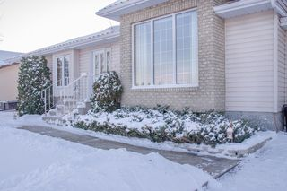 Photo 3: 205 Elm Drive in Oakbank: Single Family Detached for sale : MLS®# 1428748