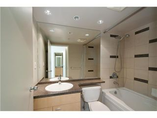 Photo 8: # 3802 1408 STRATHMORE ME in Vancouver: Yaletown Condo for sale (Vancouver West)  : MLS®# V1097407