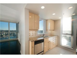 Photo 3: # 3802 1408 STRATHMORE ME in Vancouver: Yaletown Condo for sale (Vancouver West)  : MLS®# V1097407