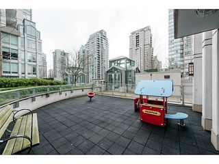 Photo 9: # 809 565 SMITHE ST in Vancouver: Downtown VW Condo for sale (Vancouver West)  : MLS®# V1128087