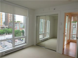 Photo 3: # 809 565 SMITHE ST in Vancouver: Downtown VW Condo for sale (Vancouver West)  : MLS®# V1128087