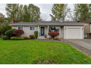 Photo 1: 3763 ROBSON DRIVE in Abbotsford: Abbotsford East House for sale : MLS®# R2114513