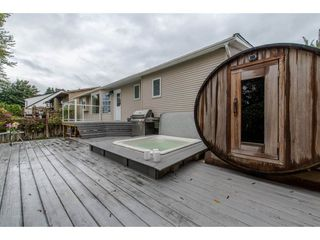 Photo 2: 3763 ROBSON DRIVE in Abbotsford: Abbotsford East House for sale : MLS®# R2114513