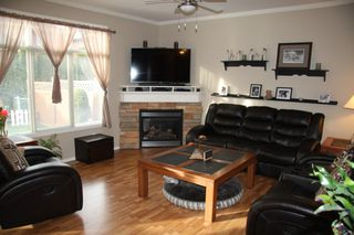 Photo 3: 15 7543 Morrow Road in Agassiz: Townhouse for sale