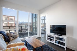 Photo 2: 202 1628 W 4TH AVENUE in Vancouver: False Creek Condo for sale (Vancouver West)  : MLS®# R2343445