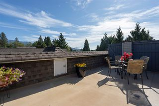 """Photo 15: 9 1027 LYNN VALLEY Road in North Vancouver: Lynn Valley Townhouse for sale in """"RIVER ROCK"""" : MLS®# R2405654"""