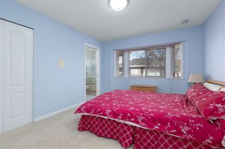 Photo 15: 8180 DALEMORE Road in Richmond: Seafair House for sale : MLS®# R2445025