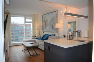 Photo 3: 3010 777 RICHARDS STREET in Vancouver: Downtown VW Condo for sale (Vancouver West)  : MLS®# R2439046