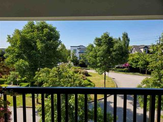 "Photo 17: 30 11067 BARNSTON VIEW Road in Pitt Meadows: South Meadows Townhouse for sale in ""COHO"" : MLS®# R2476146"