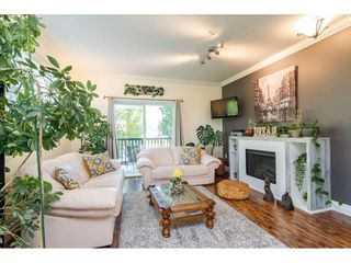 """Photo 4: 30 11067 BARNSTON VIEW Road in Pitt Meadows: South Meadows Townhouse for sale in """"COHO"""" : MLS®# R2476146"""
