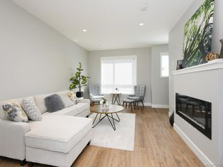 Photo 2: 604 3351 Luxton Rd in : La Happy Valley Row/Townhouse for sale (Langford)  : MLS®# 855775