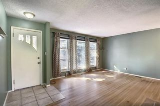 Photo 2: 2408 23 Avenue SW in Calgary: Richmond Detached for sale : MLS®# A1036843