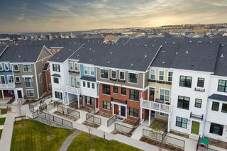Photo 5: 32 Sherwood Row NW in Calgary: Sherwood Row/Townhouse for sale : MLS®# A1047885