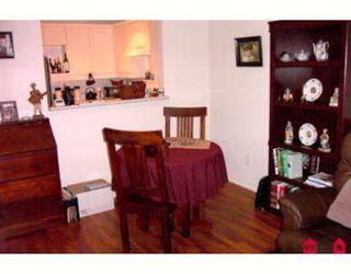 Photo 7: Fabulous top floor corner one bedroom and den!!
