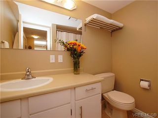 Photo 9: 404 505 Cook St in VICTORIA: Vi Fairfield West Condo for sale (Victoria)  : MLS®# 604595