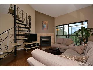 Photo 2: 404 505 Cook St in VICTORIA: Vi Fairfield West Condo for sale (Victoria)  : MLS®# 604595