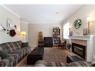 """Photo 2: 3 6360 LYNAS Lane in Richmond: Riverdale RI Townhouse for sale in """"TIFFANY MANOR"""" : MLS®# V970231"""