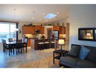 Photo 9: 201 AUBURN GLEN Manor SE in CALGARY: Auburn Bay Residential Detached Single Family for sale (Calgary)  : MLS®# C3559058