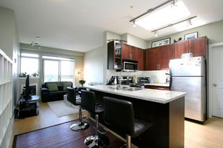 "Photo 2: PH15 688 E 17TH Avenue in Vancouver: Fraser VE Condo for sale in ""MONDELLA"" (Vancouver East)  : MLS®# V1013186"
