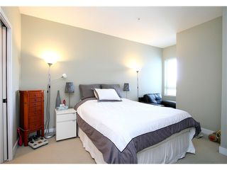 "Photo 7: PH15 688 E 17TH Avenue in Vancouver: Fraser VE Condo for sale in ""MONDELLA"" (Vancouver East)  : MLS®# V1013186"