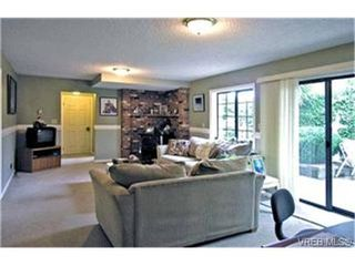Photo 5: 4132 Mariposa Hts in VICTORIA: SW Strawberry Vale Single Family Detached for sale (Saanich West)  : MLS®# 419041