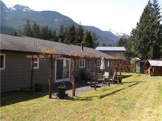 Photo 13: 1210 PARKWOOD PL in Squamish: Brackendale House for sale : MLS®# V1117719