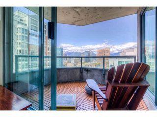 Photo 2: 2204 888 HAMILTON STREET in : Vancouver West Condo for sale : MLS®# R2095328