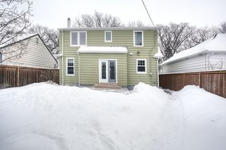 Photo 2: 433 Borebank Street in Winnipeg: River Heights North Single Family Detached for sale (1C)  : MLS®# 1702715