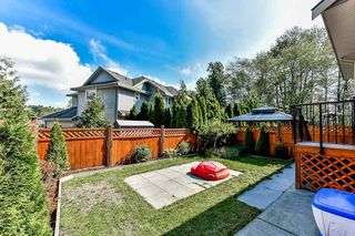 Photo 19: 1640 KING GEORGE BOULEVARD in Surrey: King George Corridor House 1/2 Duplex for sale (South Surrey White Rock)  : MLS®# R2326674