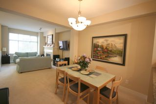 Photo 6: 993 Westbury Walk in Vancouver: Home for sale : MLS®# v721400