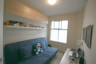 Photo 14: 993 Westbury Walk in Vancouver: Home for sale : MLS®# v721400