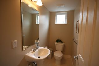 Photo 9: 993 Westbury Walk in Vancouver: Home for sale : MLS®# v721400