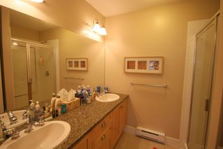 Photo 11: 993 Westbury Walk in Vancouver: Home for sale : MLS®# v721400