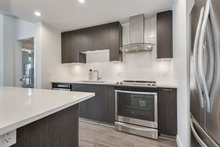 "Photo 5: 111 719 W 3RD Street in North Vancouver: Harbourside Condo for sale in ""The Shore"" : MLS®# R2392928"