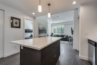 "Photo 10: 111 719 W 3RD Street in North Vancouver: Harbourside Condo for sale in ""The Shore"" : MLS®# R2392928"